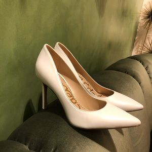 *LIKE NEW* Sam Edelman White pumps style Hazel
